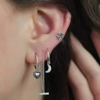 Pair of silver bar pull through earrings. - Ozz Silver Jewelry