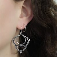 A pair of silver hook earrings with an embellished lace design. - Ozz Silver Jewelry