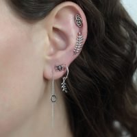 Pair of silver hexagon pull through earrings. - Ozz Silver Jewelry