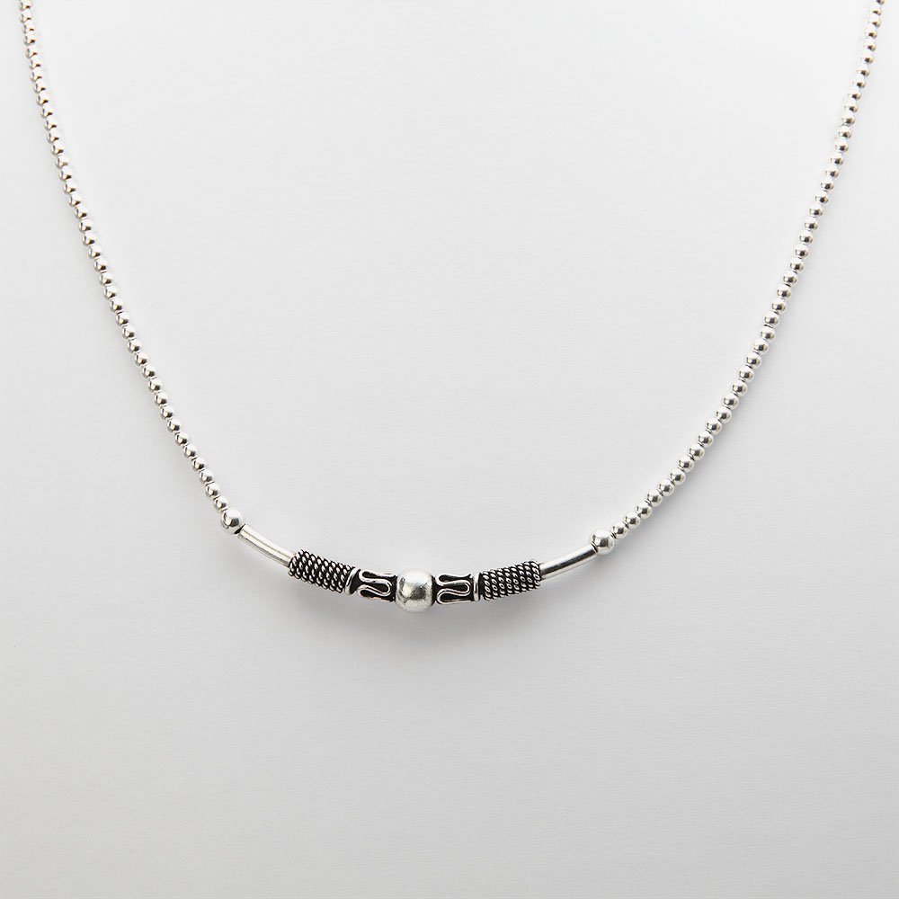 Handcrafted silver Bali necklace with an accent bead and an adjustable ring clasp. - Ozz Silver Jewelry