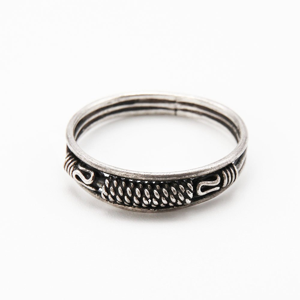 """A silver Bali ring with basket details. <a href=""""http://www.ozz-jewelry.com/size-guides/"""" target=""""_blank"""" rel=""""noopener noreferrer"""">See size guide.</a> - Ozz Silver Jewelry"""