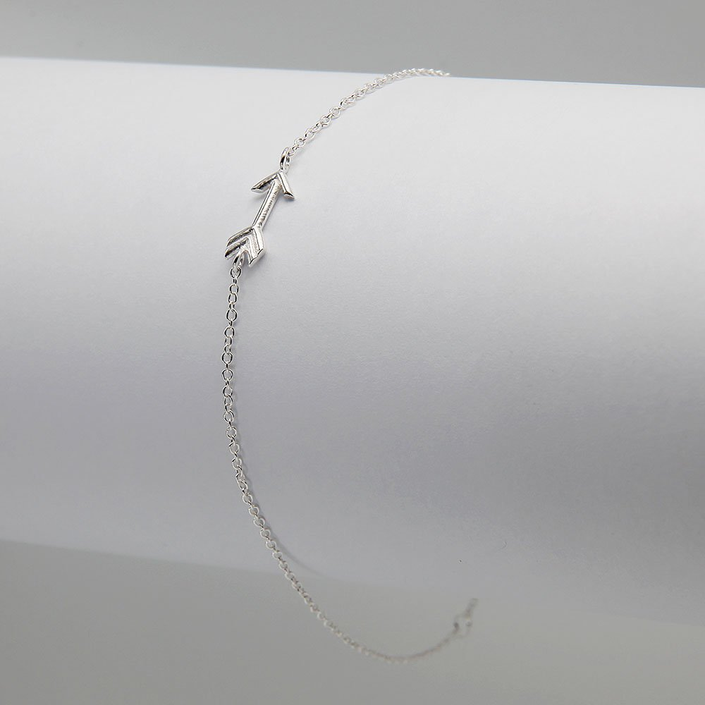 Sterling silver bracelet with arrow detail and ring clasp. - Ozz Silver Jewelry