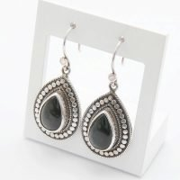 A pair of Close to Zen earrings made of 925 sterling silver with hand-cut gemstones (Cat's Eye Gray). - Ozz Silver Jewelry